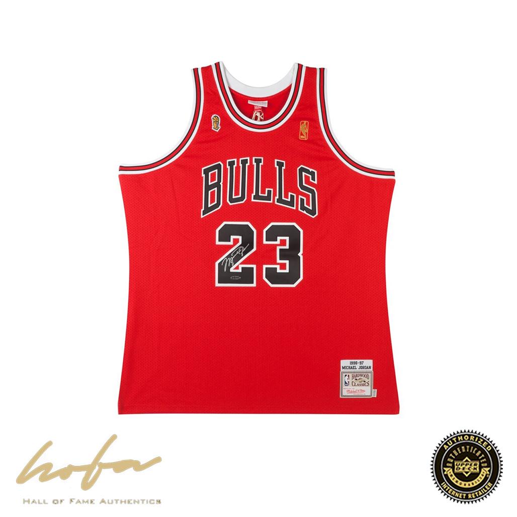 wholesale dealer 1ec08 f251c MICHAEL JORDAN AUTOGRAPHED 1996-97 BULLS RED NBA FINALS PATCH MITCHELL &  NESS JERSEY