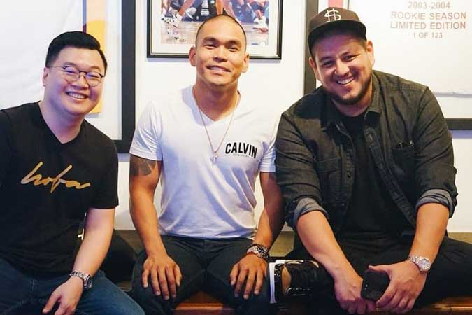 THE PEOPLE BEHIND ONLINE SPORTS MEMORABILIA RETAILER Hall of Fame Authentics, namely (from left), Ron Uy, Stephen Songco and Elvis Gutierrez. HOFA gives Filipino collectors easy access to sports memorabilia they have always wanted, whether it be in basketball, baseball, football, soccer, golf, hockey, and boxing.